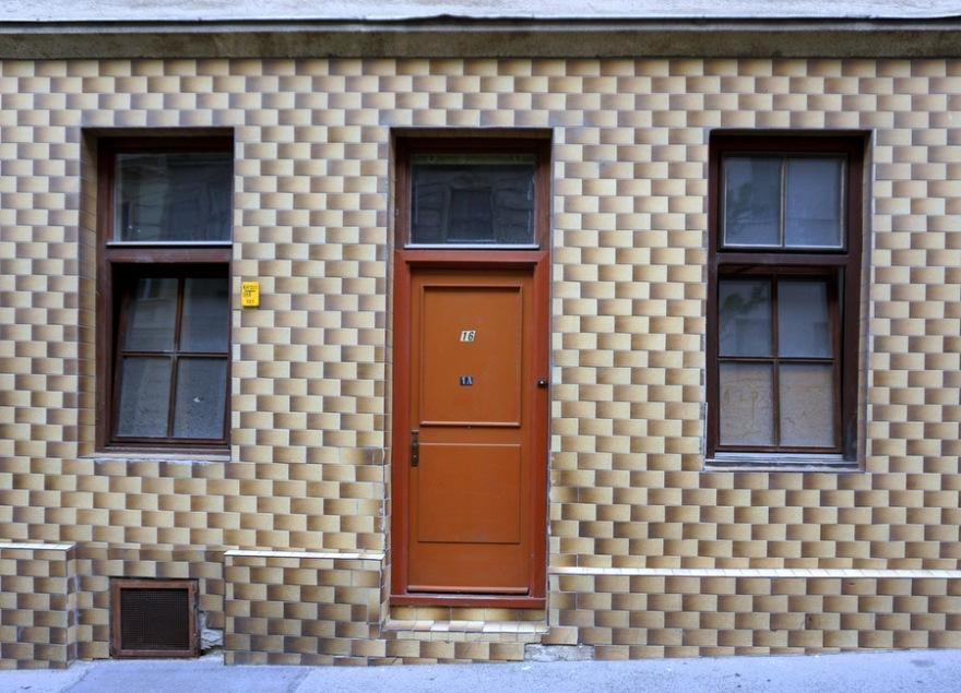 Loui Vuitton Damier House